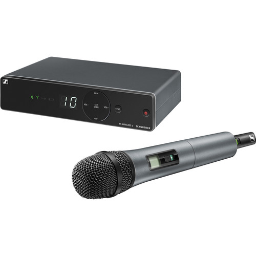 میکروفن-بی-سیم-سنهایزر-Sennheiser-XSW-1-825-A-UHF-Vocal-Set-with-e825-Dynamic-Microphone