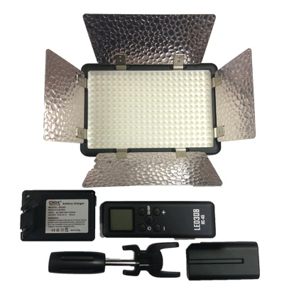 گوداکس-GODOX-PROFESSIONAL-VIDEO-LIGHT-LED-308-II